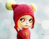 FRUIT CANDY Strawberry Ooak Pom Pom HELMET For Blythe By Odd Princess Atelier, Hand Knitted, 2017 Collection