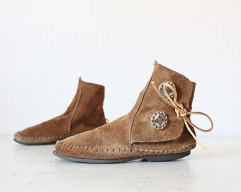 70's Taos Suede Toffee Fringe Moccasin Boots Sz 6