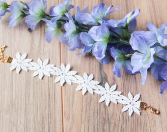 White daisy crochet lace bracelet | Floral bracelet | Bohemian boho festival jewelry | Summer jewelry |