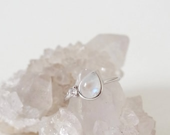 Reina - Moonstone on Silver Teardrop Ring