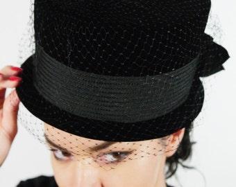1960s Black Velvet Top Hat w/ Veil and Grosgrain Ribbon
