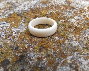 Deer antler ring, White wedding band, Rustic antler ring, Carving jewelry, Bone ring, Hair Ring, Handmade, MariyaArts