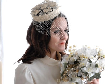 Vintage white butterfly pillbox hat, 1950s birdcage veil, wedding bridal pin-up
