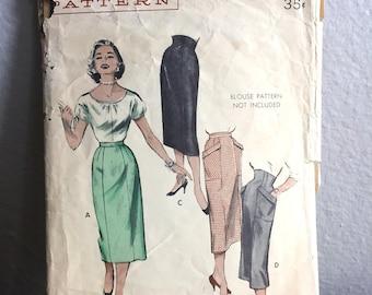 """1950's Butterick Pencil Skirt with Oversize Pockets - Waist 26"""" - No. 6929"""