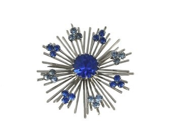 vintage 1970s blue snowflake pin / Sarah Coventry / silver / atomic / costume jewelry / vintage brooch / vintage jewelry