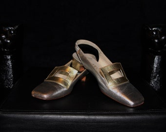 Silver and Gold-Mod 60's Space Age Metallic Silver and Gold Leather Buckle Kitten Heel Slingbacks