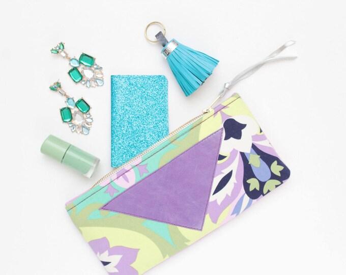 Cotton makeup bag. Zipper pouch. Cosmetic pouch. Makeup organizer. Pencil pouch. Travel pouch. Brush case. Colorful bag./FLARE 117