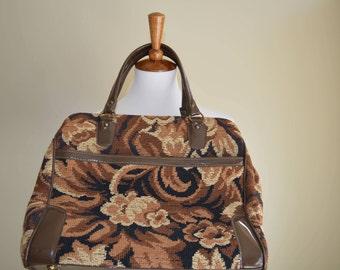 Vintage carpet bag purse/ tapestry purse