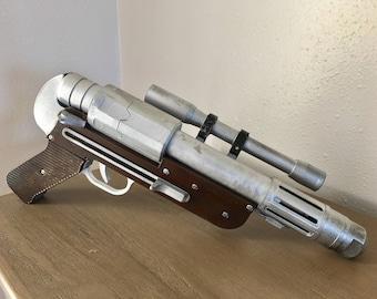 Custom Director Orson Krennic's DT-29 heavy blaster revolver pistol