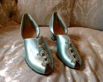 1930s Vintage Boudoir Slippers Cinderella Blue Glam by Daniel Green Sz 7.5-8
