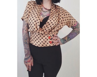 1940s 1950s Black CAT Print Cropped Blouse - Medium Vintage 40s 50s Tan Champagne Satin Silk Wrap Front Top - Remade Button Detail Shirt