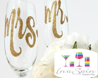 Gold Mr and Mrs Champagne Toasting Flutes Gold Glitter Wedding Glasses Gift For Couple Personalised Wedding Champagne Glass Rio