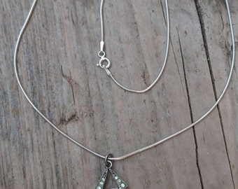 Vintage pendant and chain