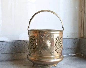 Stunning Antique Hand Hammered Brass & Copper Coal Bucket Or Planter - Ornate Copper Brass Planter - Large Brass Copper Bucket - Boho Decor