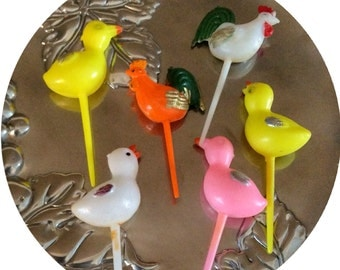 VINTAGE Barnyard BIRDs Easter Birthday Cupcake Cake Toppers Picks Decorations Plastic Roosters Chickens Ducks