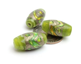 Glass Barrel Beads in Green with Swirls of Gold and Green, Venetian Glass, Murano Glass, Lamp work 12x24mm 3pcs