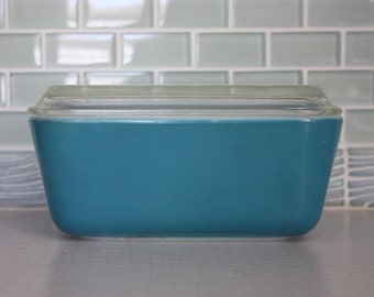 Blue Pyrex Fridgie #502 Refrigerator Dish with Lid