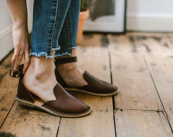Brown Leather Sandals, Brown Sandals, Summer Shoes, Leather Flats, Loafers, Flat Shoes, Brown Slip Ons, Ankle Strap Sandals, Casual Shoes