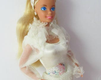 Skating Star Barbie Doll Calgary 1988 Mattel Superstar Era Fashion doll 1980s