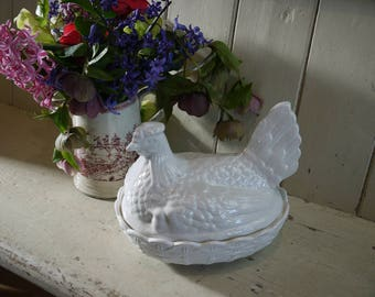 Large Vintage Portmeirion White Hen Terrine Egg Holder - Size 1