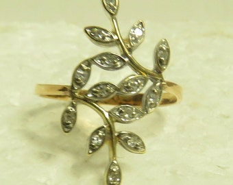 Vintage 14 kt Gold w/ 14 Single Cut Diamonds ( .20 ct)  Leaf Spray Crossover Design Ring.
