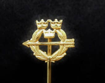 Swedish lapel pin Tre Kronor - Three Crowns - vintage pin from Sweden - vintage item