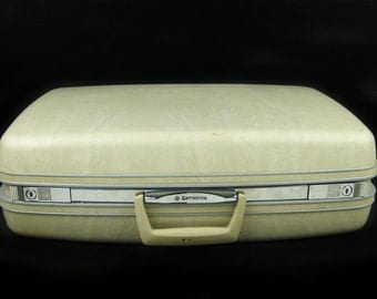 Vintage 1960 Off White Samsonite Suitcase Luggage,Cream Medium Large Hard Shell Luggage,Ivory Storage,Overnight Carry All,Wedding Photo Prop
