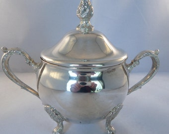 Silver plated sugar, Viners silver plate, lidded sugar bowl, two handles, splay feet, pointed knob, tea table item, 5 inches high,