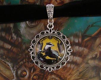 Hufflepuff Necklace - Choker - Black Velvet - Harry Potter - Badger - Helga Hufflepuff - Hogwarts - Nymphadora Tonks - School of Witchcraft