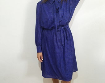 Vintage 70s Long Sleeve Dress // dress with belt // dress with front buttons // Jersey Ilany // purple and black dress // bow tie dress // L
