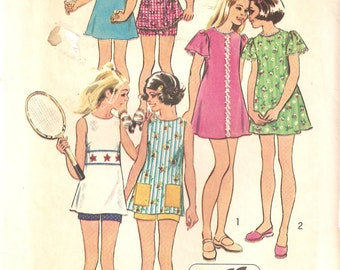 VINTAGE Simplicity Sewing Pattern 5597 - Children's Clothes - Dress, Tunic & Shorts, Size 6