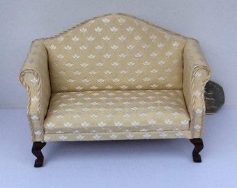 Georgian 2-seater sofa in 1/12th scale for your dollshouse