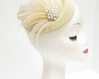 Cream Champagne Ivory Feather Pillbox Hat Fascinator Headpiece Vtg Races 2282