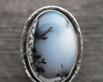 dendritic agate ring. natural winter snow gemstone. antique sterling silver. handmade artisan jewelry. (size 7)