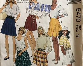 "McCalls 5470 - Fashion Basics Above Knww Length Skirt and Tap Shorts - Size 12 Waist 26.5"""