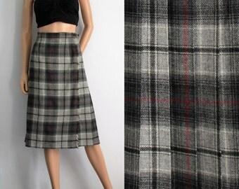 Laird Portch kilt skirt, plaid checked tartan, grey red white, knee length skirt, vintage retro, winter wool wrap skirt, m l