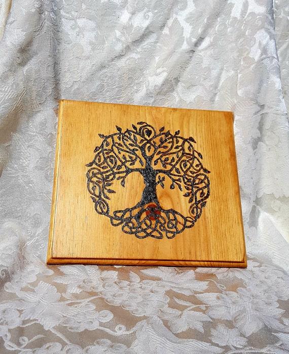 Custom order - Celtic knot Tree of Life with labradorite inlay
