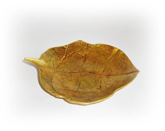 Wedding Ring Holder, leaf plate, golden plate, gold leaf, stand for rings, leaf gold jewelry, Ring Bearer Bowl, Ring Dish