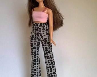 Curvy Barbie pants in gray with black circles