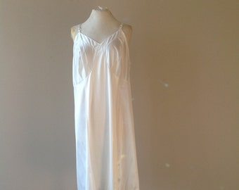 44 / 2X Sears Slip Dress / Vintage Plus Size Lingerie by Sears / White Nylon