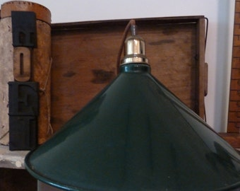 farmhouse vintage enamel pendant light / vintage industrial green hanging light (wired & working) / rustic pendant light / pendant light
