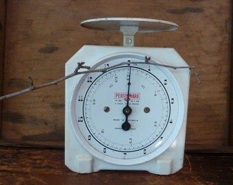 charming white kitchen scales / made in australia / rustic scales/ vintage kitchen scales/ farmhouse/ vintage kitchen/ primitive/ persinware