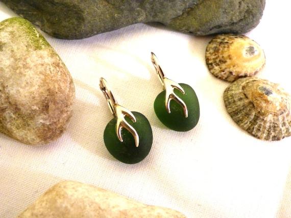 Green Sea Glass & Sterling Silver Drop Earrings - moss jade nature natural beach stone pebble seaglass beachglass hippie nomad - ED16003