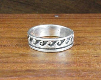 Sterling Wave Ring – Size 7.75