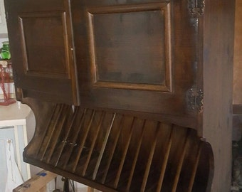 credenzino artisan-style plate rack