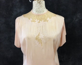 Vintage 1940's shell pink blouse buttons up the back lace insets large size