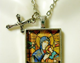 Our Lady of Perpetual Help pendant and chain - AP28-033