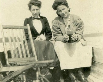 "Vintage Photo ""Lake Drinks with Libby"" Snapshot Antique Photo Old Black & White Photograph Found Paper Ephemera Vernacular - 149"