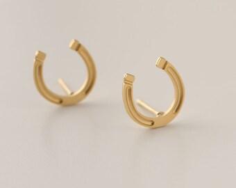 Horseshoe Earrings, Gold Horseshoe Studs,  24K Gold plated Earrings, Good Luck Earrings, Minimalist Stud Earrings, Dainty Lucky Earrings