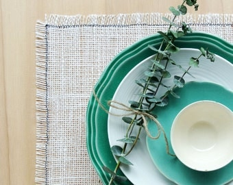 Cottage Chic Burlap Placemats in Cream.  Shabby Chic Placemats.  Cottage Style Placemats.  Rustic Chic Placemats. Set of 4 or 6 Placemats.